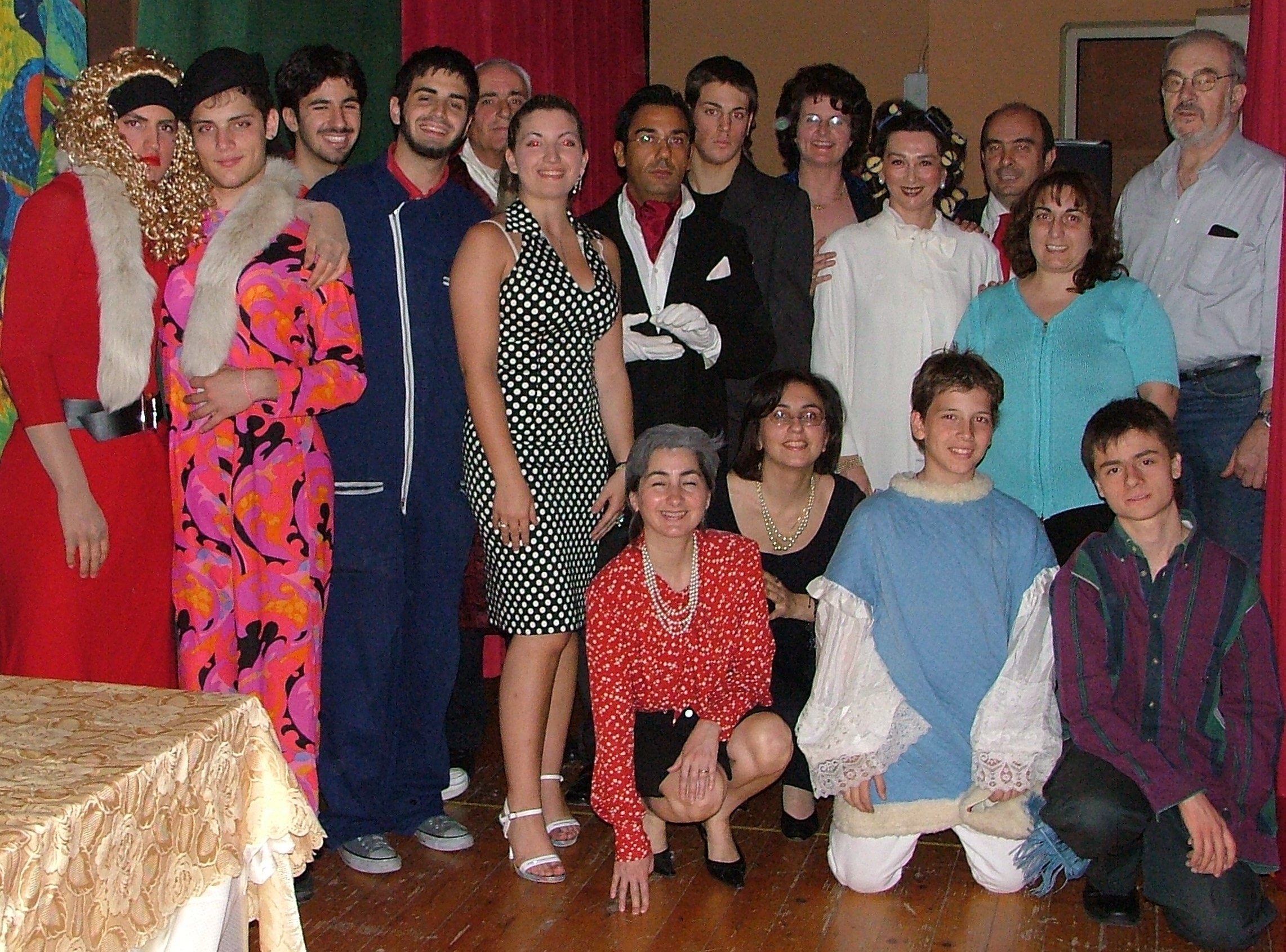 2The-Cast_Cinders2005
